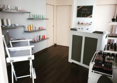 Espace accueil, vente de produits bio, maquillage Miss W Pro, soin Green Skincare, l'institut Emeline Esthétique La Verrie 85